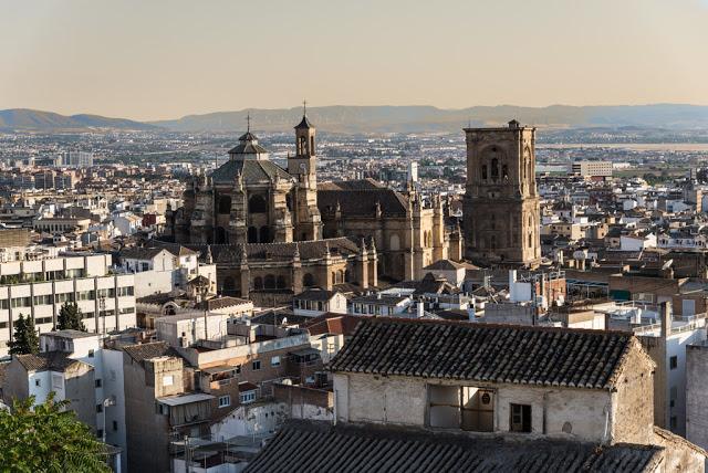Granada e il fascino dell'Alhambra