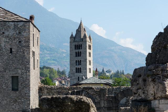 Aosta in 12 scatti