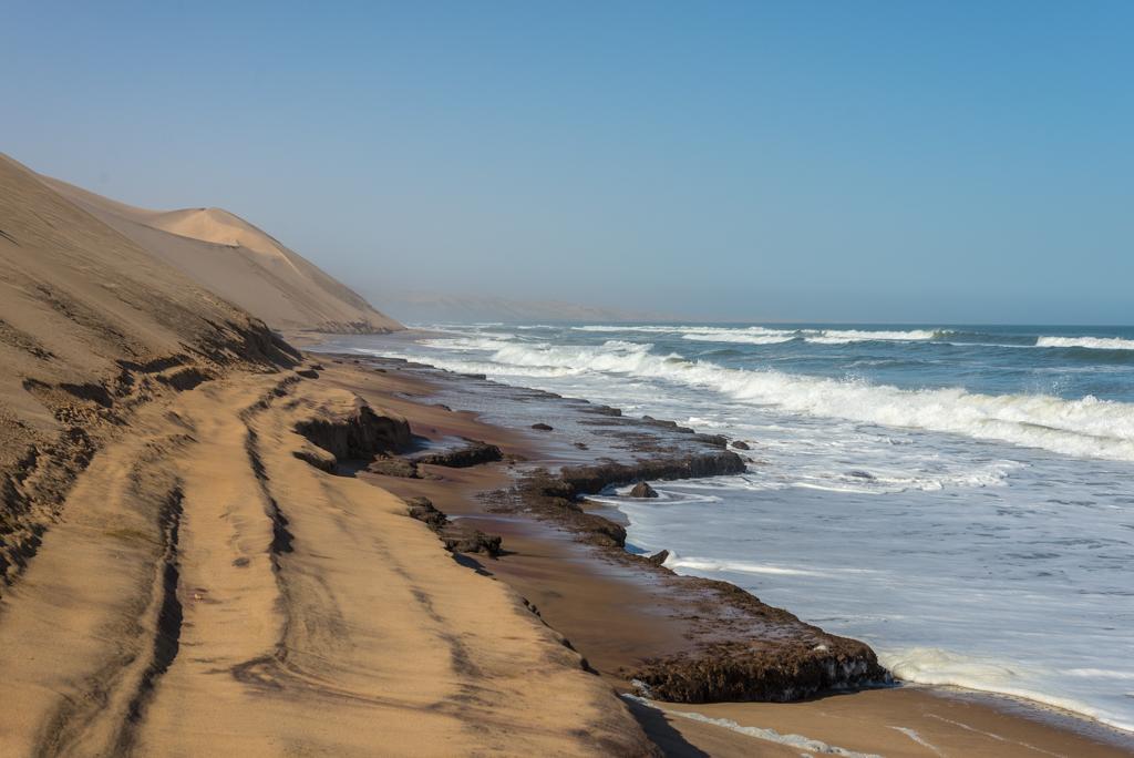 NAMIBIA – Sandwich Harbour, dove le dune scendono in mare