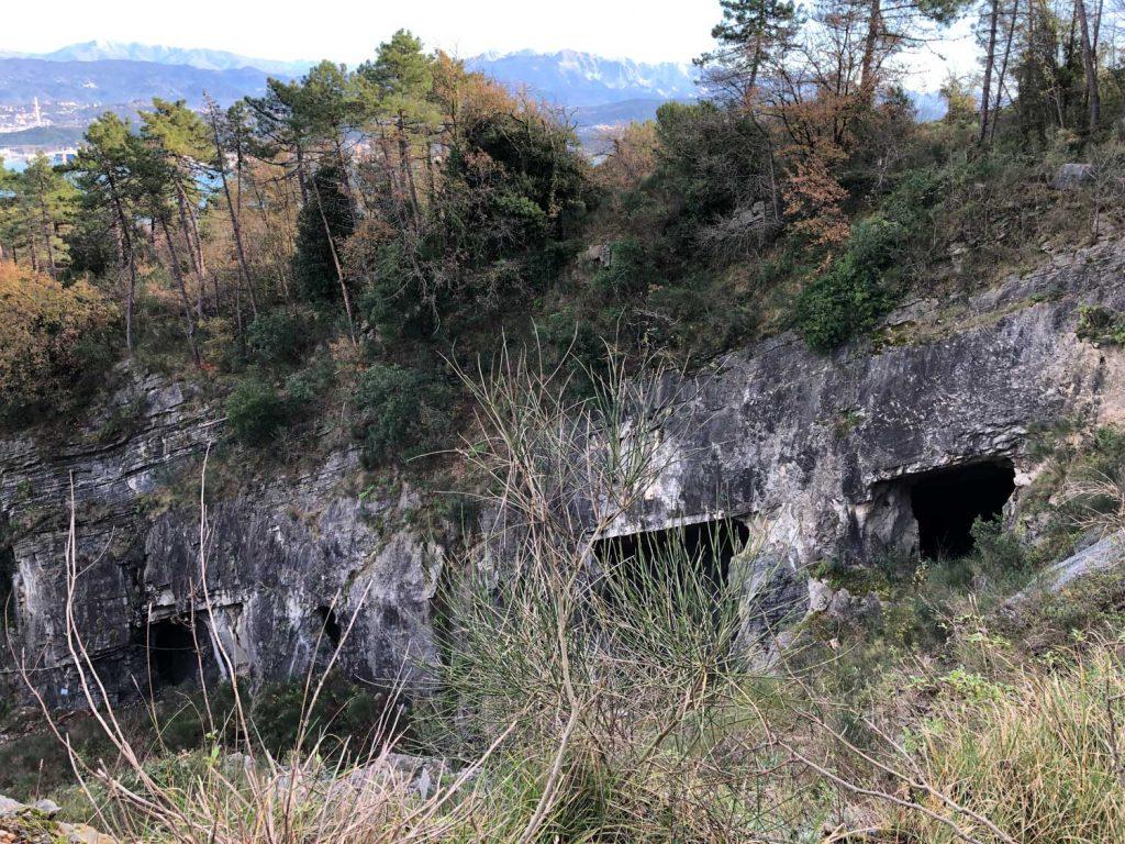Liguria, Cave della Castellana