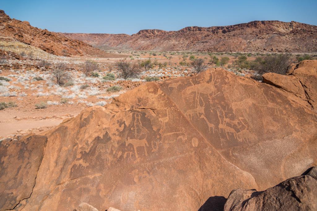 NAMIBIA – Le incisioni rupestri di Twyfelfontein